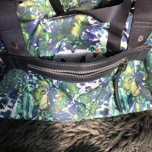 lululemon athletica Bags - Lululemon Gym/Yoga Bag Large